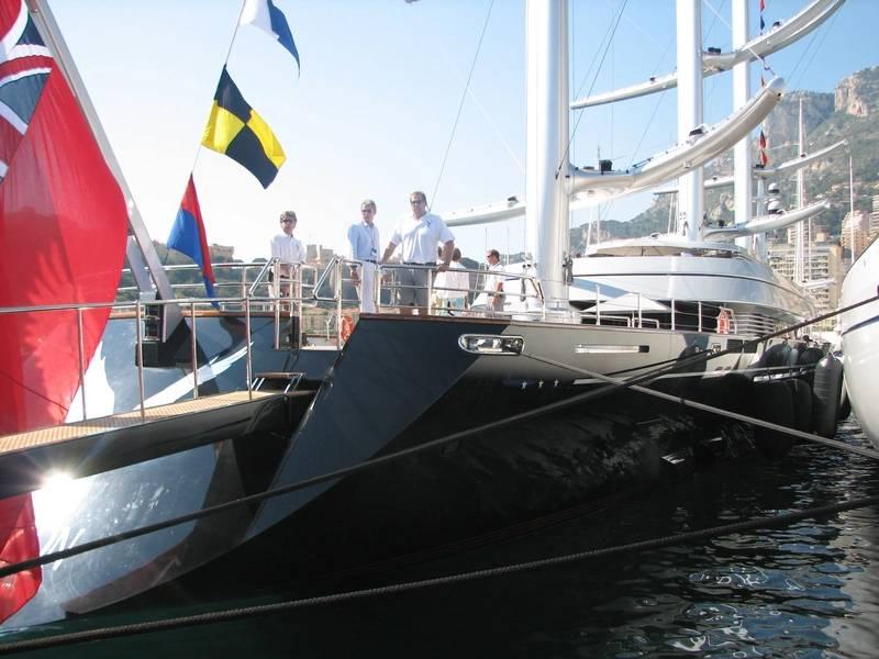 Τα μεγάλα ιστιοπλοϊκά σκάφη που ευνοούν τα ευρωπαϊκά ναυπηγεία για υπηρεσία μπορούν να δουν τον Derecktor Fort Pierce ως εναλλακτική λύση στις ΗΠΑ. Φωτογραφία από τη Λίζα