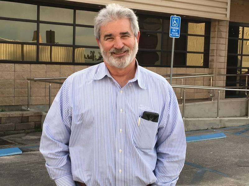 فيل نوس هو رئيس إصلاح اليخوت في الثالوث في جولفبورت ، MS. الصورة ليزا Overing.