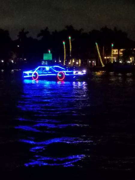 ウィンターフェストボートパレード。 Scott Salomonさんの写真。