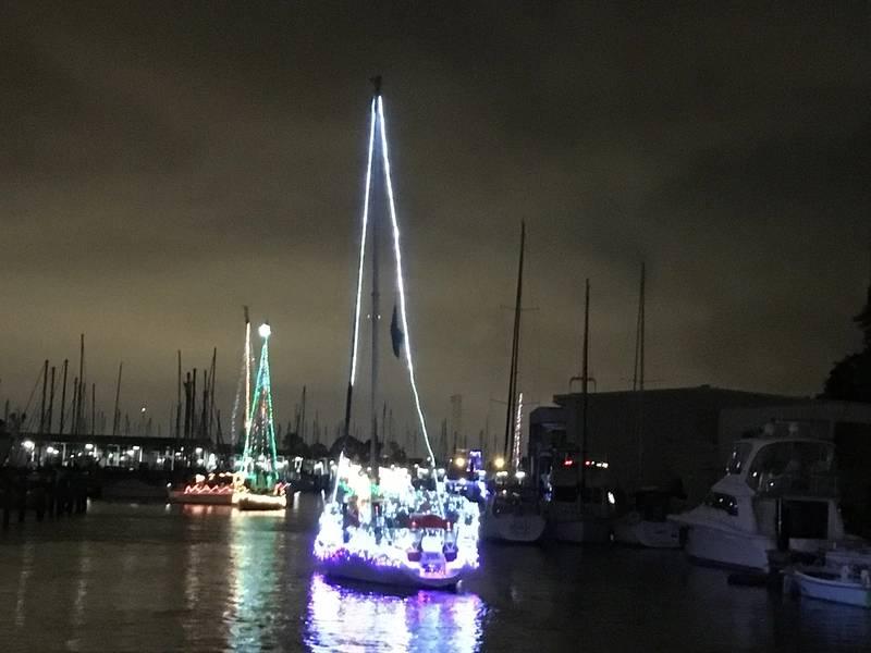 ウェストエンドボートパレード、ニューベイスン運河。ニューオーリンズ。 Lisa Overingさんの写真