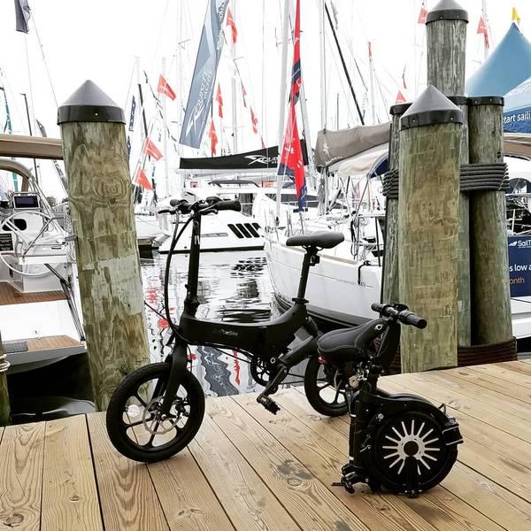 木星バイクの写真提供: