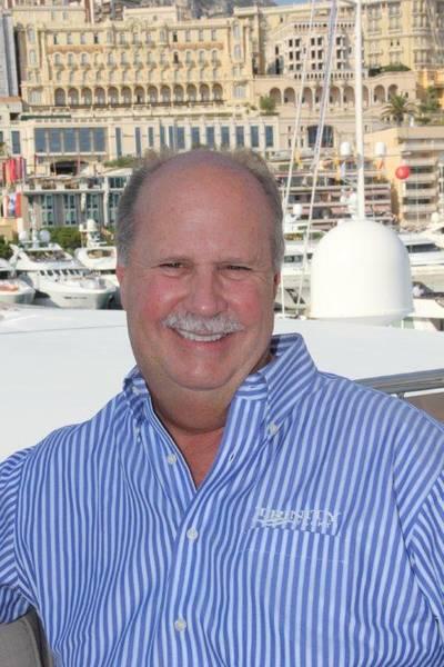 Billy Smith现在是Metal Shark Alabama的主要客户主管。他也是Merle Wood&Associates的游艇经纪人。比利史密斯供图。