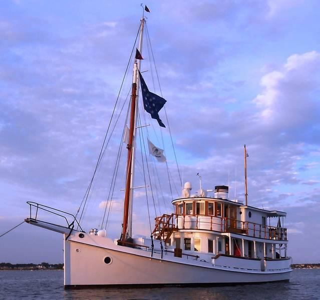 M / V Coastal Queen mit freundlicher Genehmigung von Northrop & Johnson.