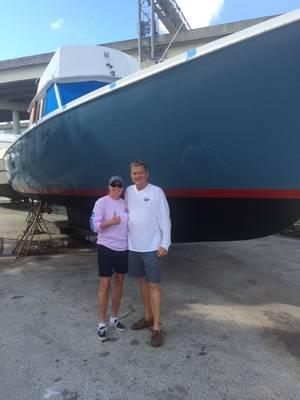 अपनी पत्नी, जज कैरोल-लिसा फिलिप्स के साथ जिम नौगले। फोटो सौजन्य जिम नौगले