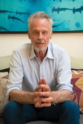 現在68歳で、ニューヨークのWest Villageに住むSven Lindbladはスウェーデン出身です。初期の成人期はケニアで1969年から1977年まで暮らしていました。アフリカの本当の生存の難しさを理解していた自然、野生の場所、人々は彼の形成期を形成しました。写真:David Vargas / Lindblad Expeditions