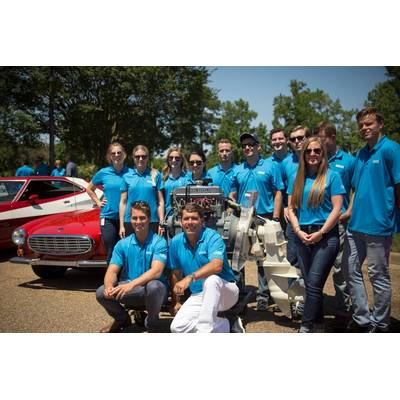Ron Huibers, president of Volvo Penta of the Americas, with this year's class of summer interns (Photo: Volvo Penta)