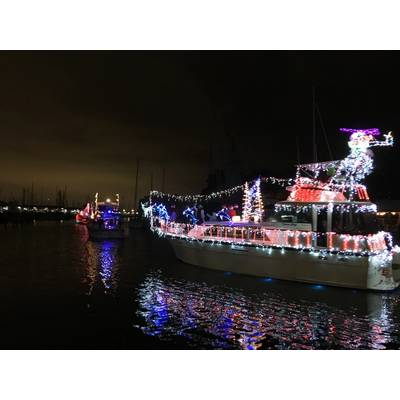 West End Boat Parade, New Basin Canal. New Orleans. Photo by Lisa Overing