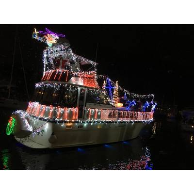 West End Boat Parade New Orleans. Photo by Lisa Overing
