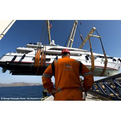 MV Rickmers Dalian loads the mega yacht off Lavrion (Photo: George Giannakis)